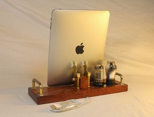 Custom Made Ipad/Iphone/Ipod Sync And Charge Docking Station