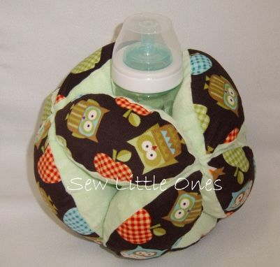 Custom Made Small Baby Bottle Holder Ball /Activity Toy Team