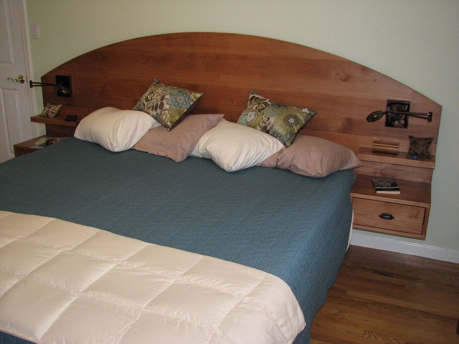 Custom King Size Pedestal Bed With Drawers