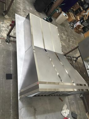 Custom Made #78 Modern Non-Directional Stainless Range Hood With Mirror Straps