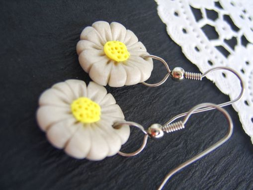 Custom Made White And Yellow Daisy Earrings - Flowers Hand-Crafted In Polymer Clay