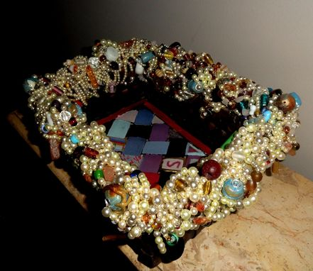 Custom Made Beaded Wicker Tray Basket Handpainted Faux Pearls S