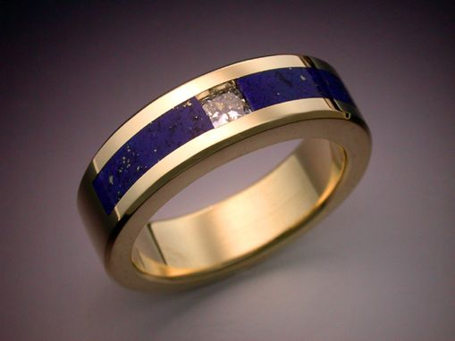 Custom Made 18k Gold Man's Ring With Diamond And Lapis