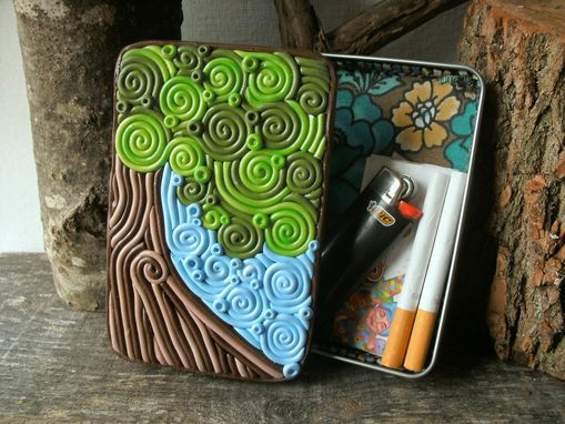 Custom Made Tree Decorative Storage Tin, Wallet Or Cigarette Case