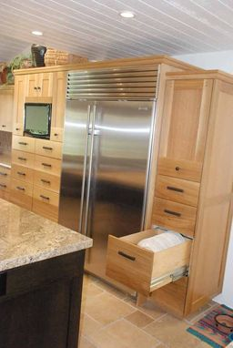 Custom Made Kitchen With Modified Shaker Deign In Rift-Cut White Oak