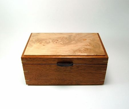 Custom Made Mahogany And Birdseye Maple Keepsake / Jewelry Box
