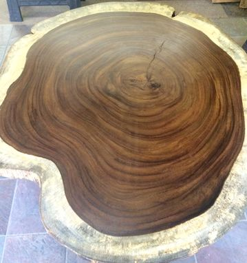 Handmade Guanacaste Slab Round Dining Table By Blowing