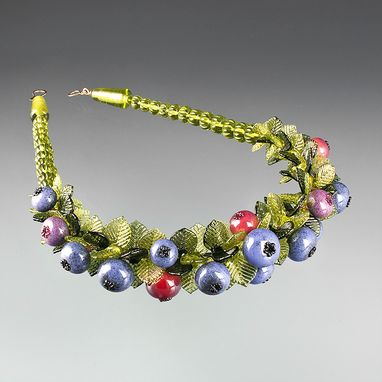 Custom Made Realistic Blueberry Choker Necklace On 18k Yellow Gold