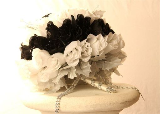 Custom Made White And Black Silk Roses Brides Bouquet