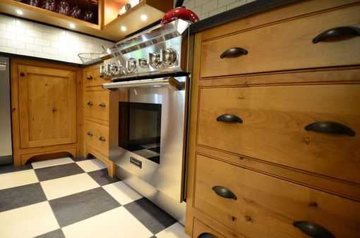 Custom Made Kitchen - Knotty Alder