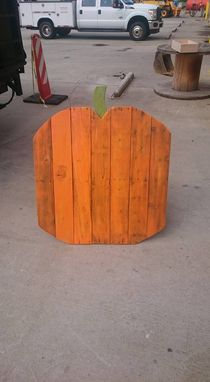 Custom Made Seasonal Lawn Decorations From Reclaimed Wood
