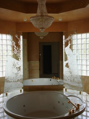 Custom Made Frameless Etched Tempered Starfire Glass As Bathtub Decoration