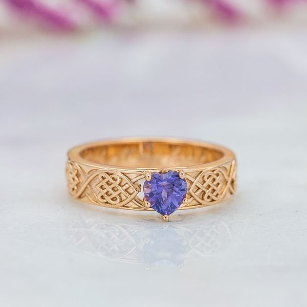 For this Celtic knot engagement ring we selected a lavender heart shaped sapphire.