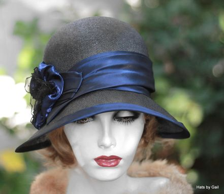 Custom Made Vintage 20s Wide Brim Summer Cloche Hat In Black With Blue Trim
