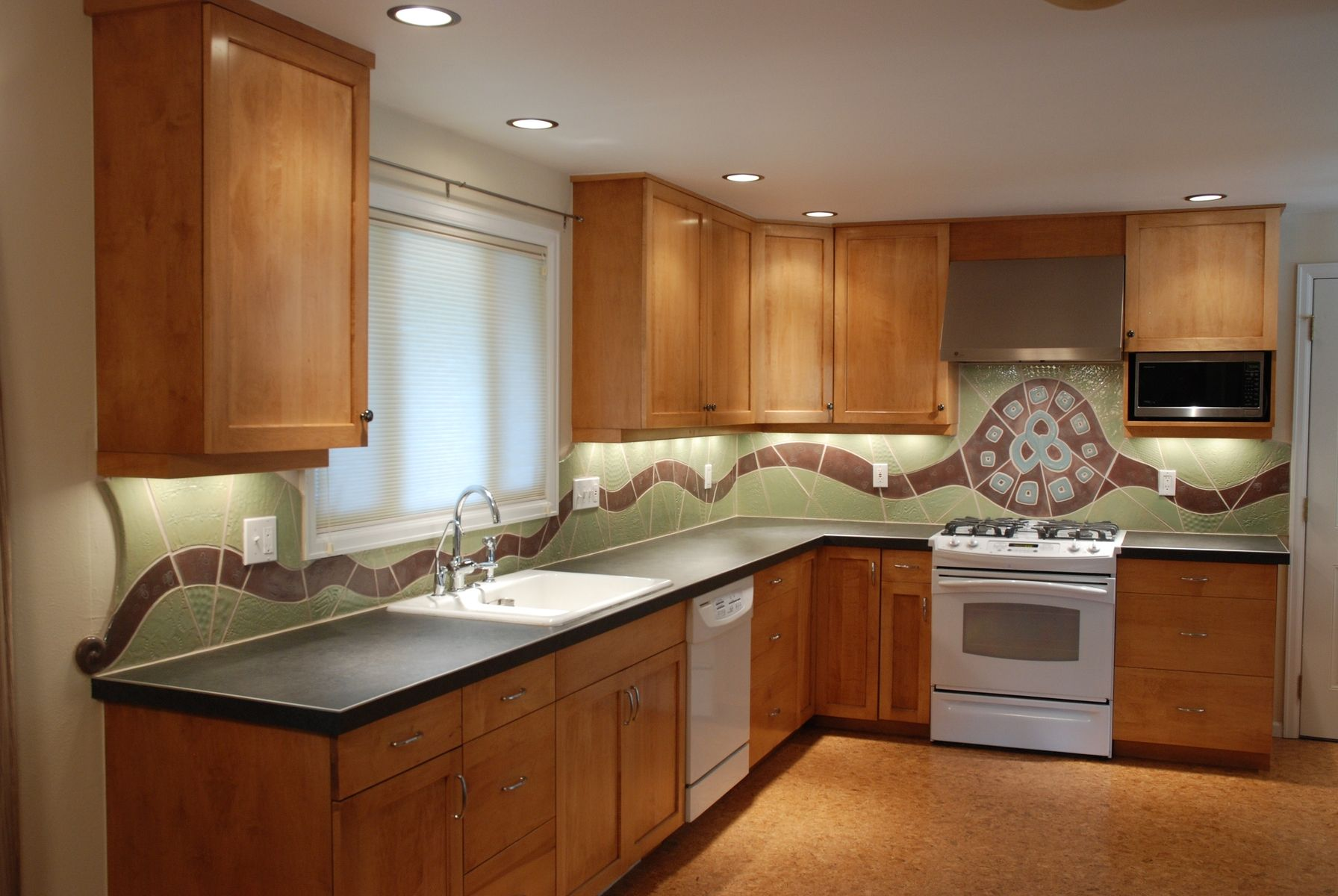 Custom Made Triple Flow Ceramic Kitchen Backsplash By