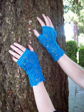 Custom Made Trilobite Lace Fingerless Mittens In Blue