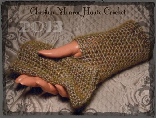 Custom Made Olive Green Golden Halo Merino Hand Warmers Wristers