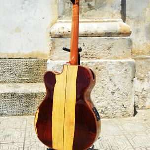 Pinol Guitars: Pinol Guitars | Pompano Beach, FL
