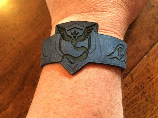 Custom Made Leather Design Bracelts Team Mystic