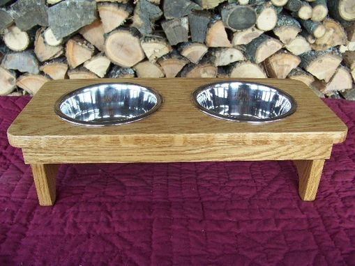 Custom Made Classic Dog Feeder