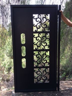 Custom Made Metal Gate Contemporary Modern Italian Art Iron Garden Art Ornamental