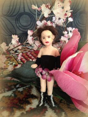 Custom Made Ooak Doll Miniature - Velveteen Dma Ooak Ogld