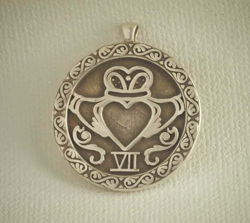 knot claddagh sterling pendant celtic silver and p genuine htm
