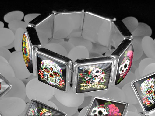 Custom Made Day Of The Dead Skulls Halloween Charm Bracelet Ssbb-14