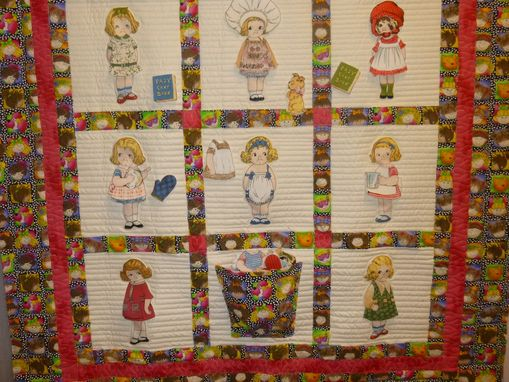 Custom Made Paper Doll Quilt