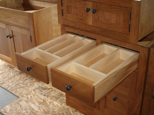 Custom Made Classic Shaker Kitchen Cabinets
