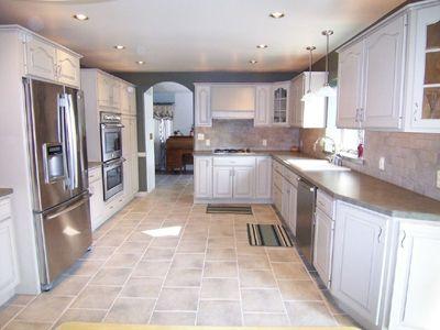 White Maple Kitchen Cabinets