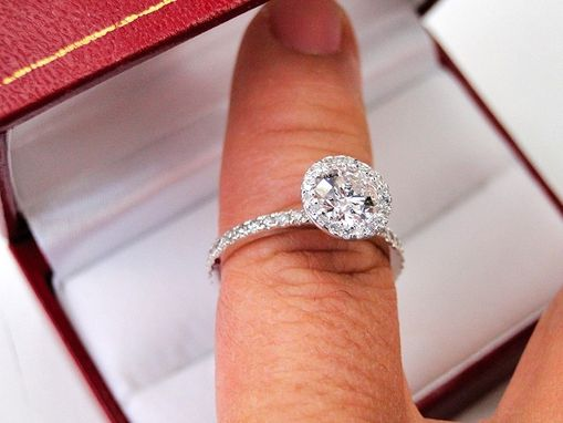 Custom Made 18k White Gold Diamond Engagement Ring Halo Setting