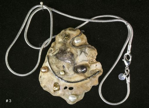 Custom Made Unique Mother-Of-Pearl Sea Shell Pearls Pendant, Gold Plated Chain