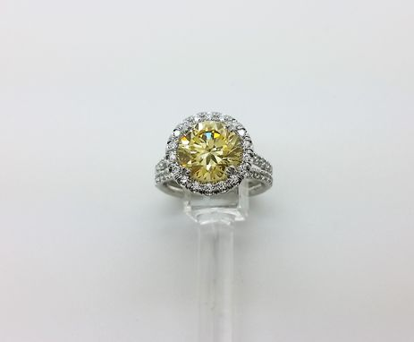 Custom Made Round Halo Engagement Ring