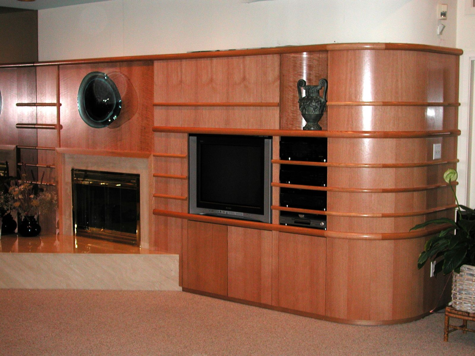 Hand made curved entertainment center by michael humphries - Made com meuble tv ...