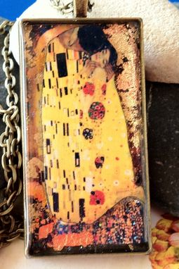 Custom Made The Kiss By Klimt-3d Resin Pendant