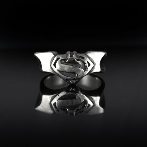 custom made batman and superman ring - Superman Wedding Rings