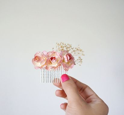 Custom Made Victorian-Inspired Flower Girl Hair Comb With Gypsophila Flowers