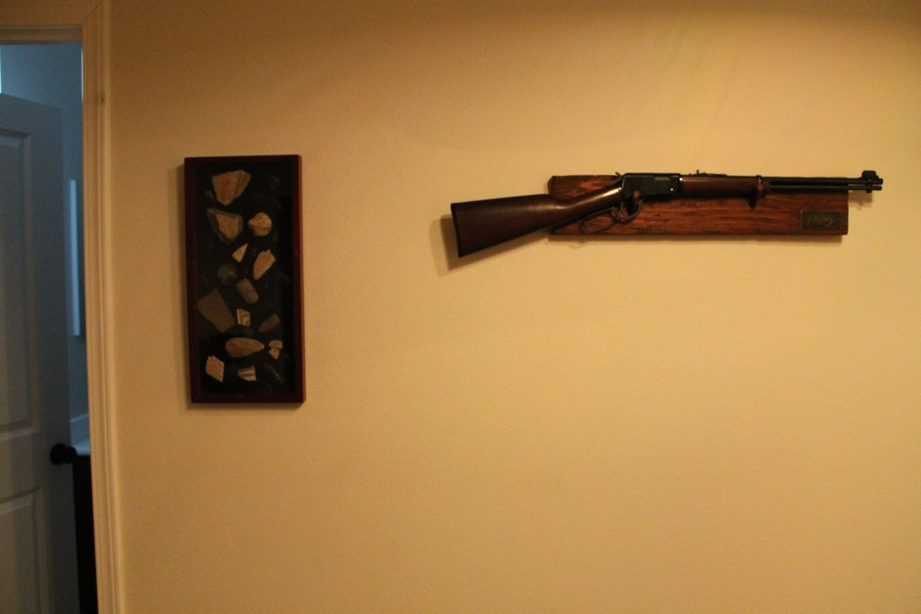 Colorful Decorative Gun Wall Mounts Image Collection - Wall Painting ...