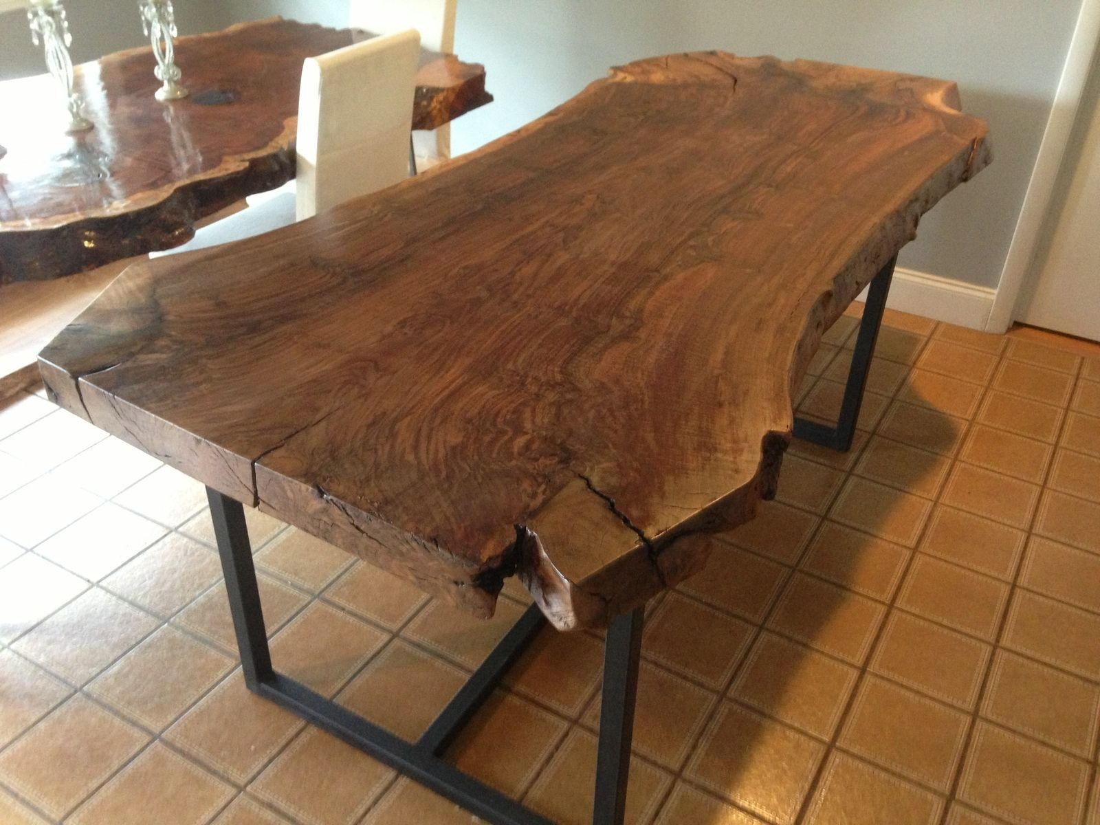 Handmade live edge claro walnut dining table by ozma for Table bois brut