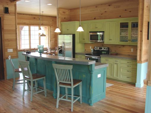Custom Made Alabama Lake House Kitchens
