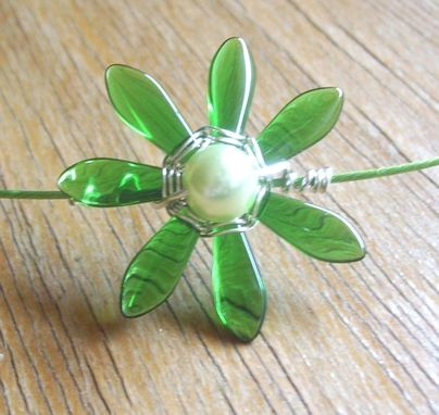 Custom Made Artisan Wire Wrapped Green Daisy Pendant Necklace