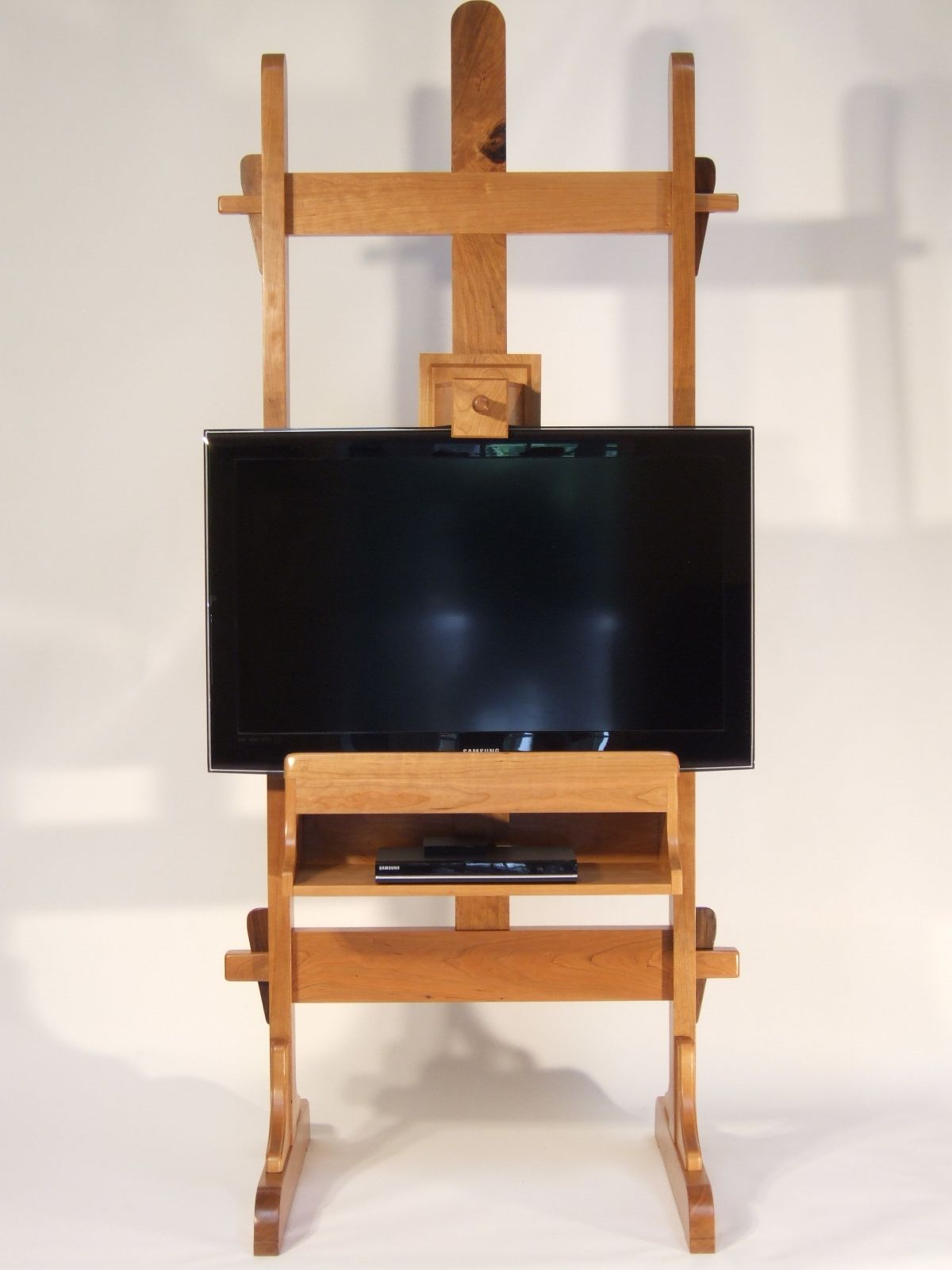 Hand Crafted Tv Easel Tv Stand By The Wood Hobbit Custommade Com