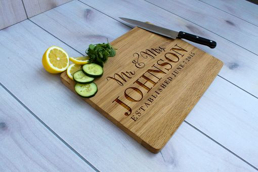 Custom Made Personalized Cutting Board, Engraved Cutting Board, Custom Wedding Gift – Cb-Wo-Mr.&Mrs.Johnson