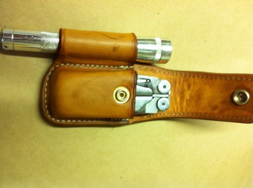 Custom Made Nay's Custom Leather Muti-Tool Case With A Light Loop