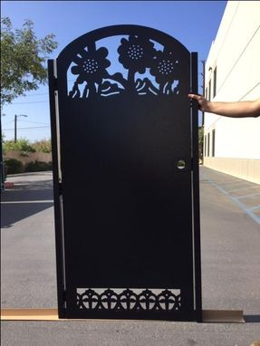 Custom Made Solid Sunflower Modern Urban Design Steel Pedestrian Gate