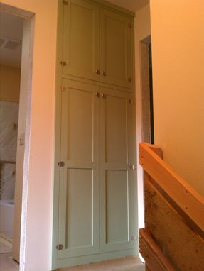 Custom Made Linen Closets