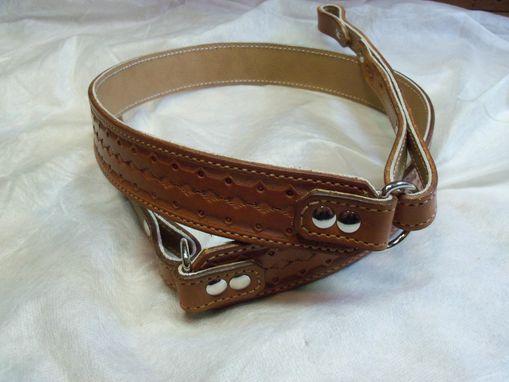 hand made handmade leather guitar banjo straps by hubbard leather. Black Bedroom Furniture Sets. Home Design Ideas