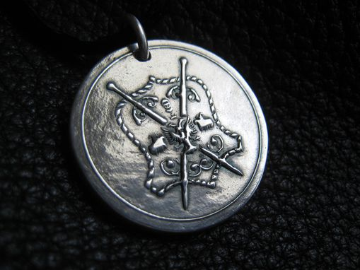 "Custom Made Sterling Silver Heraldic Coat Of Arms Pendant Necklace  Approx 1"" (2.4cm) Diamter"