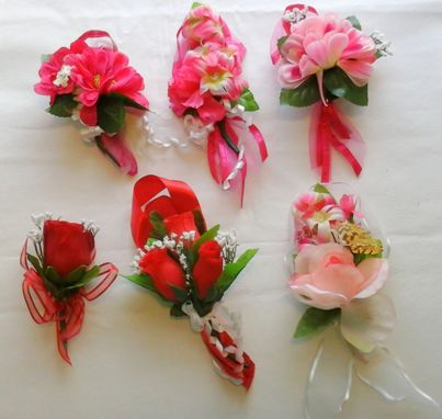 Custom Made Lot Of Mother's Day Corsages Pink Red Artificial Handmade